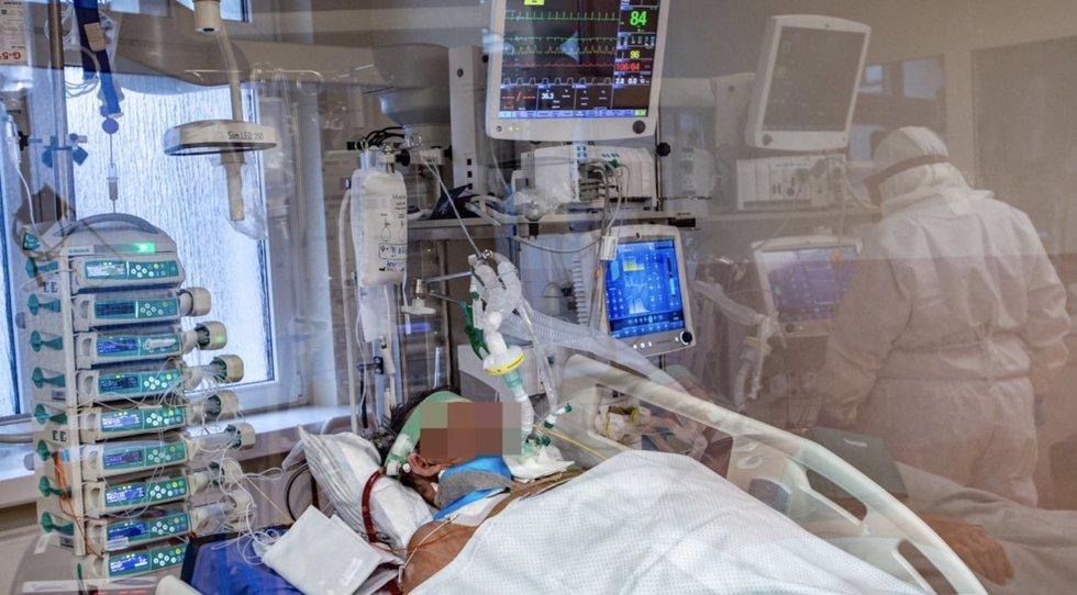 Išskirtiniai kadrai iš Santaros klinikų intensyvios terapijos skyriaus ir medikų pasakojimai