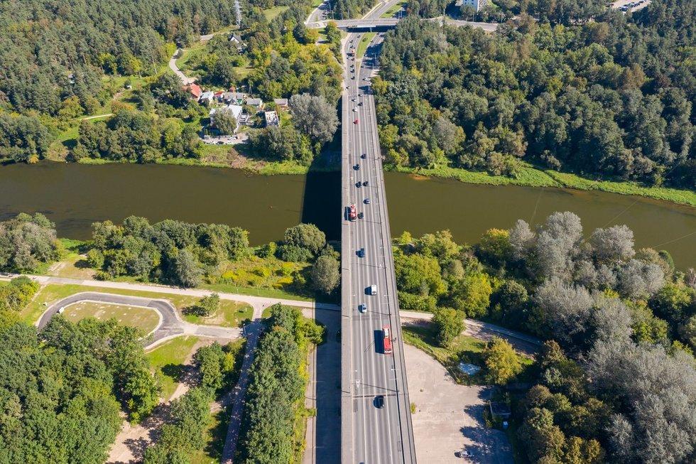 Ant Valakampių tilto bus ribojama apkrova