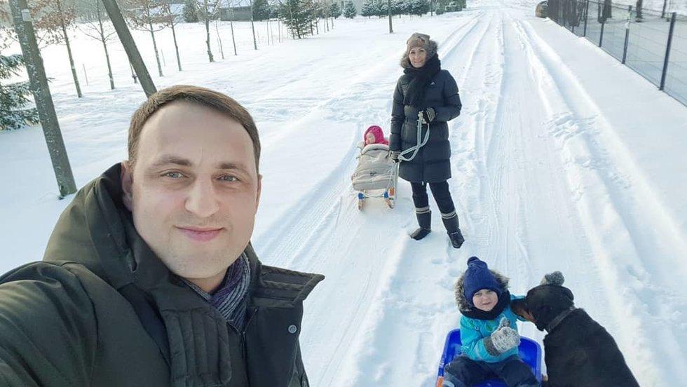 Nerijus Cesiulis su šeima