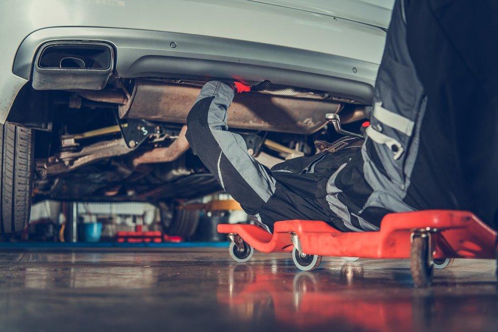 Automechanikas (nuotr. 123rf.com)