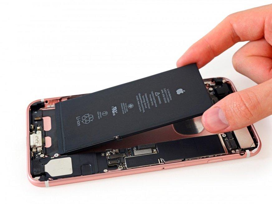 Šešios tiesos apie telefono bateriją: žinokite, kaip elgtis, kad ji ilgiau tarnautų (nuotr. SCANPIX)