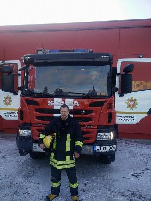 Tomas Pečkys, ugniagesys naras išgelbėjęs žvejui gyvybę (Priešgaisrinės saugos ir gelbėjimo departamento nuotr.)