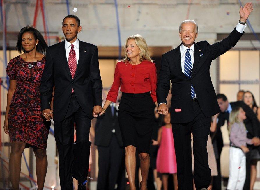B. Obamai 2008-aisiais tapus JAV prezidentu, J. Bidenas buvo paskirtas eiti viceprezidento pareigas