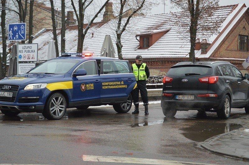 """Konfiskuotas """"Audi Q7"""" visureigis"""