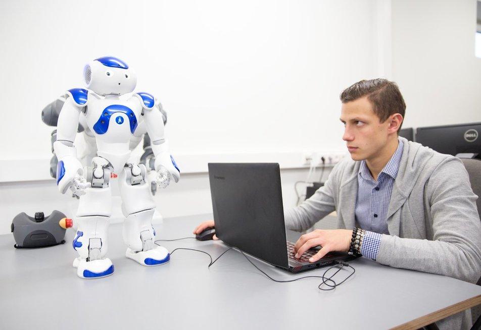 Ateities inžinieriai bus graibstomi darbdavių, bet privalės pasikeisti (nuotr. KTU)