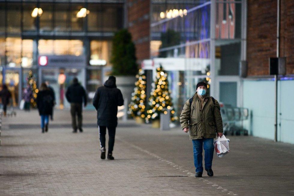 Prieš griežtesnius ribojimus žmonės suplūdo į miestą