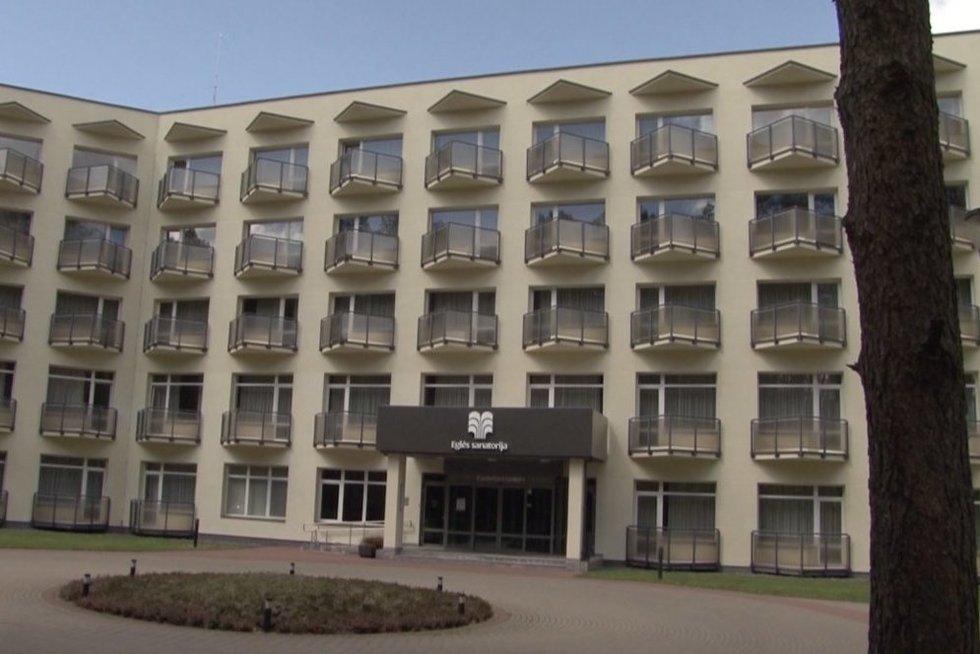 Druskininkai ir Birštonas priimti turistų neskuba: viešbučiai veikia vos keli (nuotr. stop kadras)