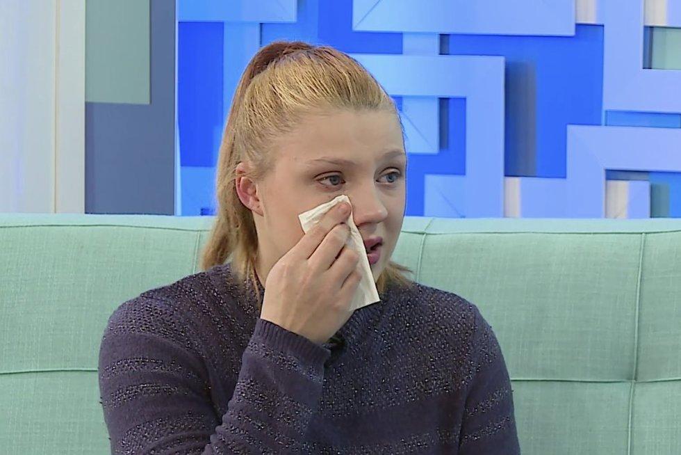 Jauna moteris lieja ašaras: atėmė dukrą dėl menkiausios klaidos