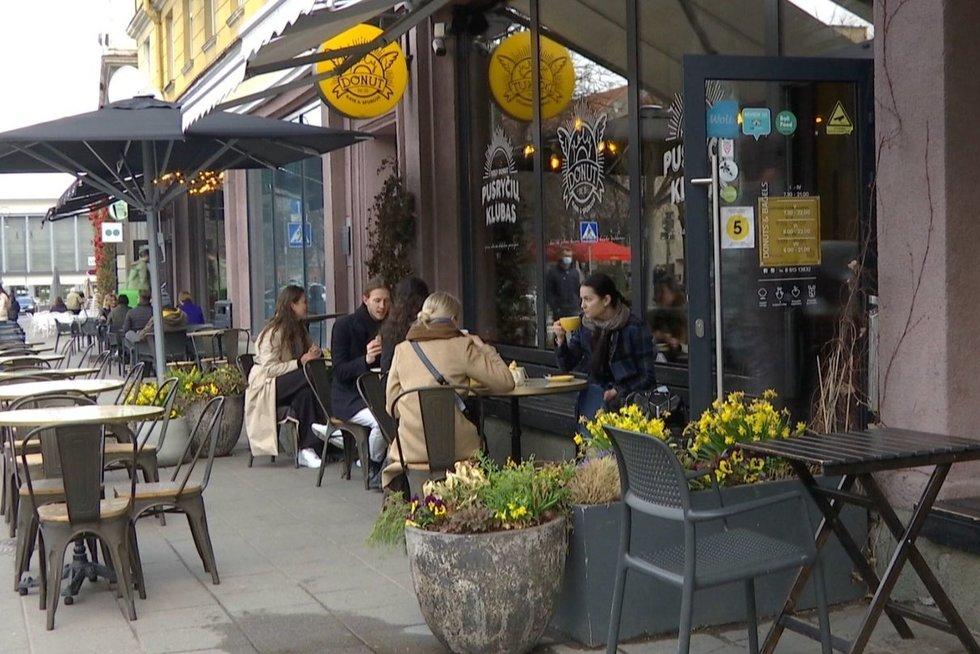 Kavinė (nuotr. stop kadras)