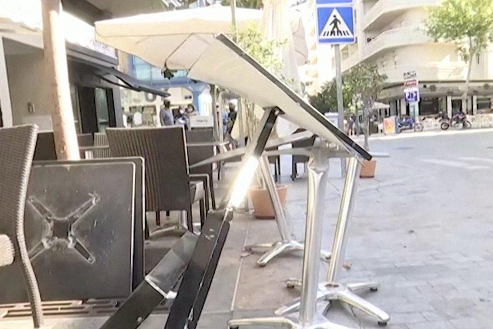 Tragedija Ispanijoje: automobiliui įsirėžus į lauko kavines, sužeista bent 10 žmonių (nuotr. stop kadras)