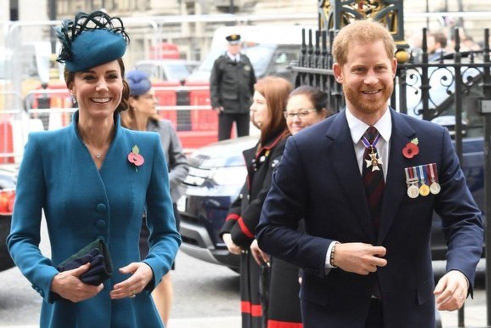 Kate Middleton ir princas Harry (nuotr. SCANPIX)