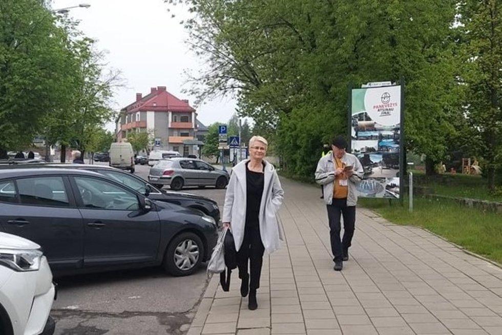 Po ilgos pertraukos į teismą sugrįžusi Venckienė prašo nutraukti bylą (nuotr. TV3)