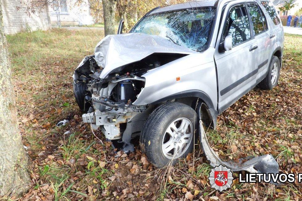 Per tragišką avariją Ukmergėje žuvo V. Ušacko mama, sužalotas brolis (nuotr. Policijos)