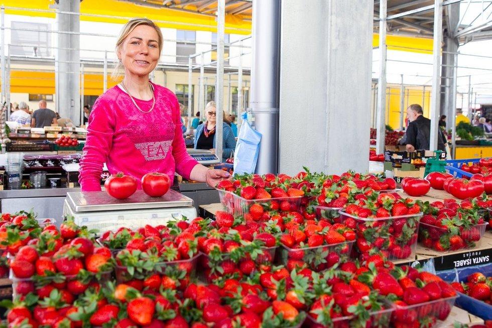 Kalvarijų turgaus pardavėja (Irmantas Gelūnas/Fotobankas)