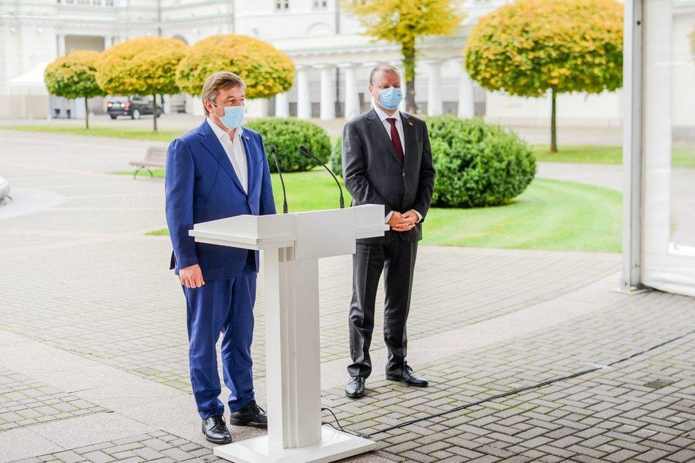 Rytas po rinkimų – valstiečiai Prezidentūroje (nuotr. Fotodiena/Katažyna Polubinska)