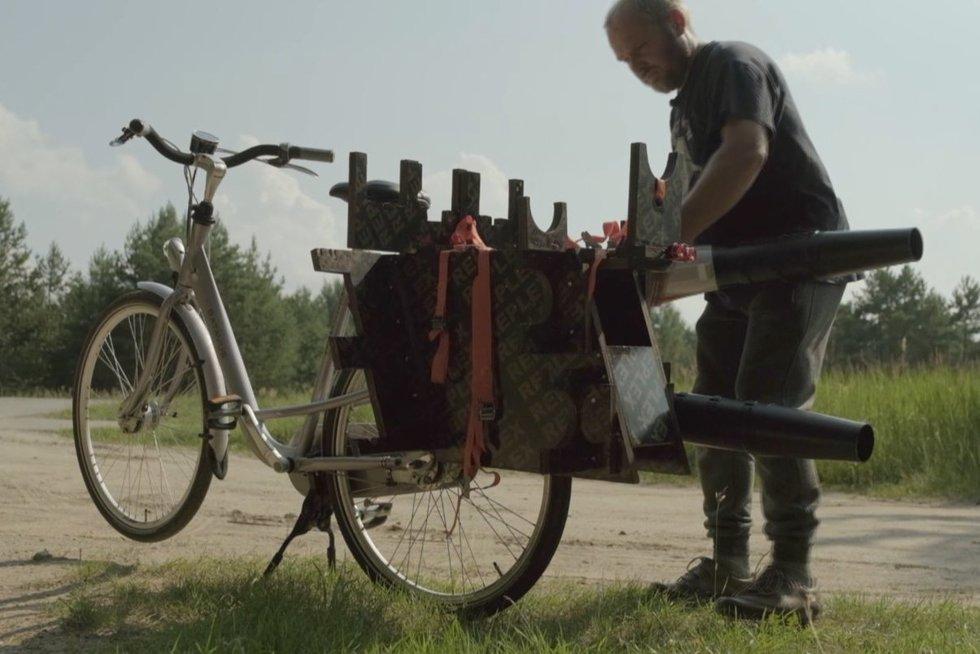 Alytiškis pasitobulino dviratį: pasiekia net 60 km/val. greitį (nuotr. stop kadras)