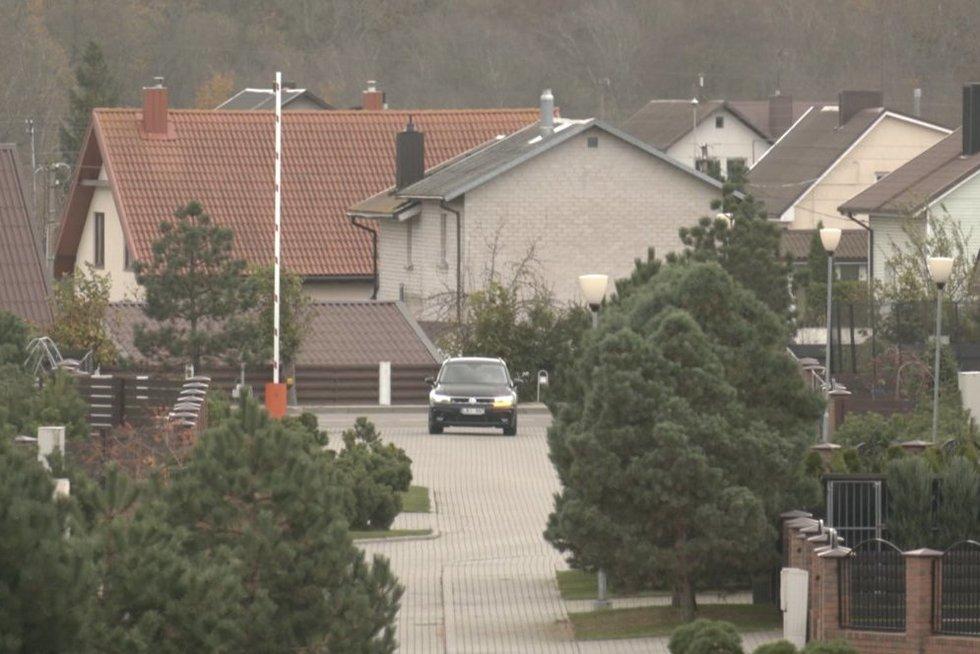 Klaipėdos priemiesčio gyventojai ginkluojasi: pajūryje siautėja vagys (nuotr. stop kadras)