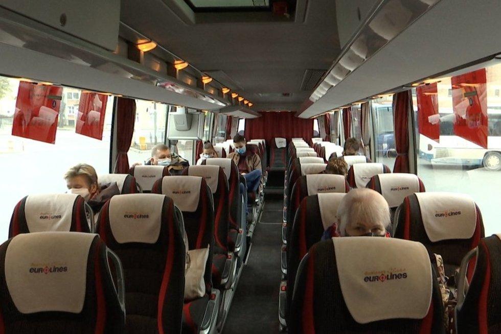Sumaištis tarp vežėjų tarpmiestiniais autobusais – keleiviai gali likti be tiesioginių reisų į miestelius (nuotr. stop kadras)