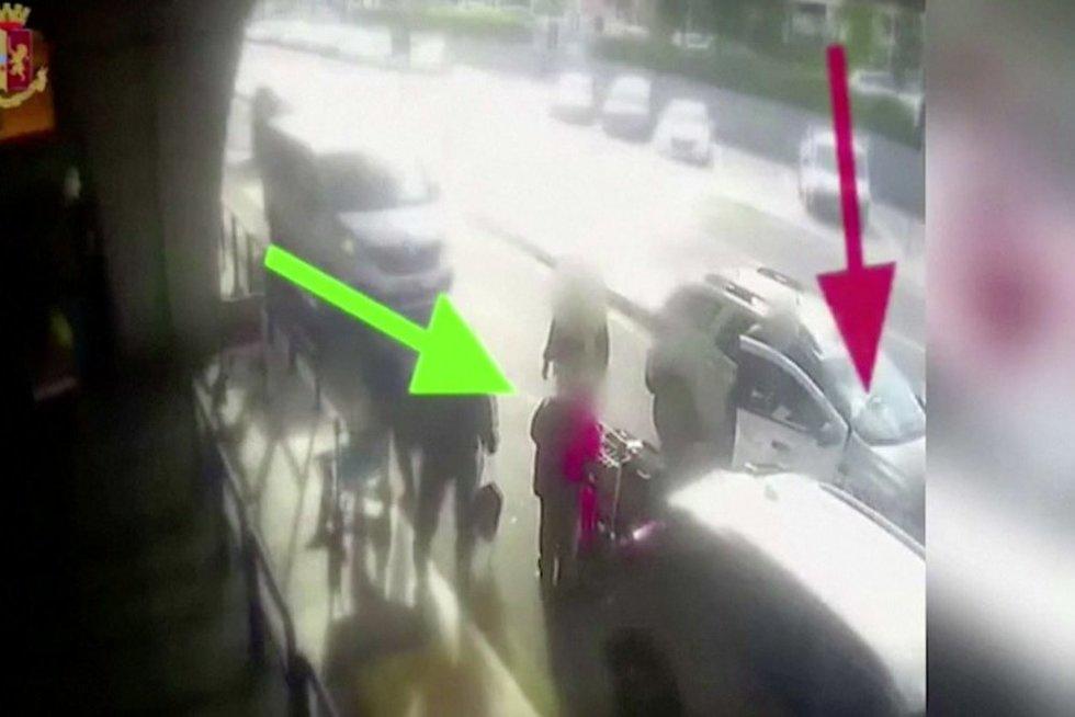 Taksisto išpuolis (nuotr. stop kadras)