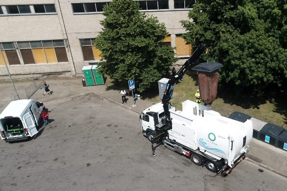 Kaunas apsiginklavo modernia konteinerių plovimo įranga