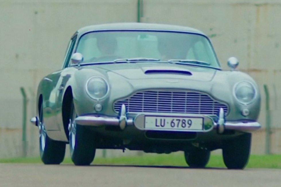"""'65-ųjų senukas """"Aston Martin"""" (nuotr. TV3)"""