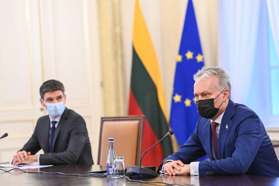 Simonas Krėpšta. Gitanas Nausėda (nuotr. Roberto Dačkaus)
