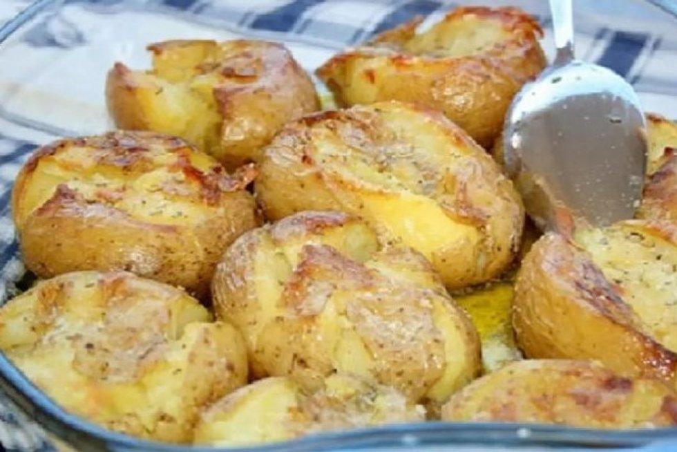 Keptų bulvės sužavės visus ragautojus: norėsite dar  (worldrecipes nuotr.)
