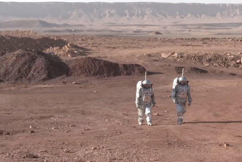 Šešių asmenų komanda mėnesį imituos gyvenimą Marse ir atliks per 20 įvairiausių eksperimentų: neteks kilti į kosmosą (nuotr. stop kadras)