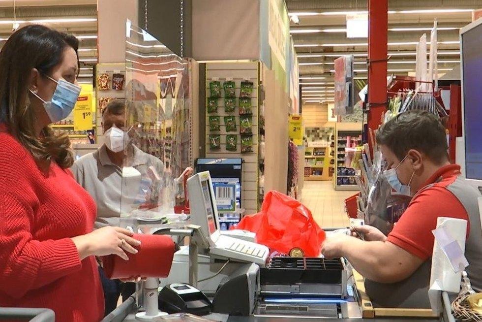 Lietuvoje dalis žmonių ne tik atsisako dėvėti kaukę, bet ir neigia koronaviruso egzistavimą
