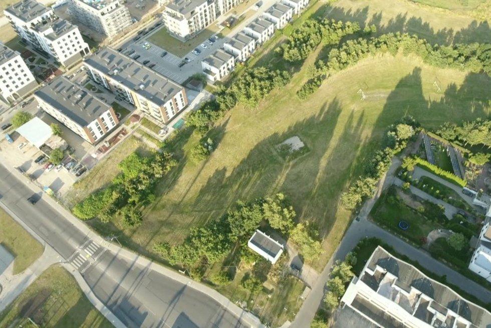 Vilniuje – gyventojų ir daugiabučių statytojų konfliktas dėl parko likimo (nuotr. stop kadras)