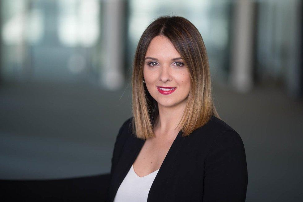 """""""Swedbank"""" vyresnioji ekonomistė Laura Galdikienė"""