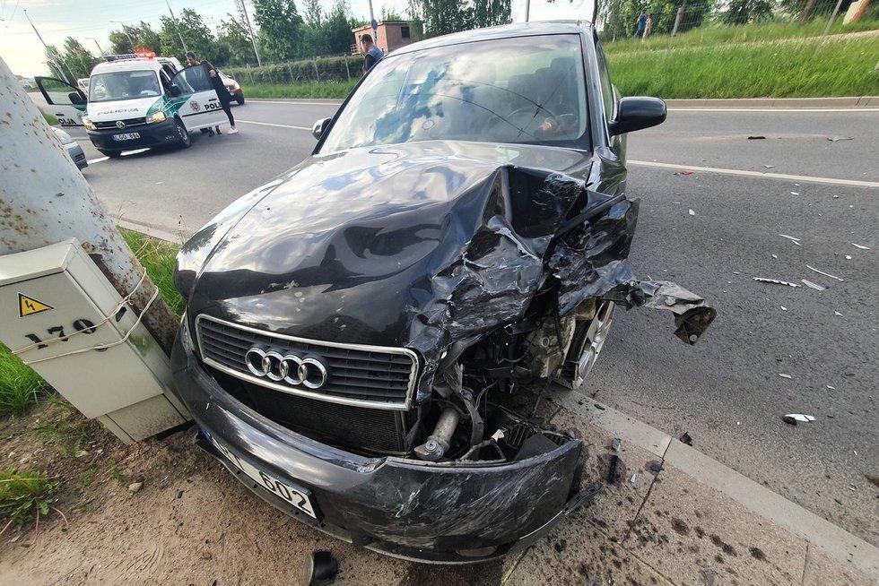 Audi avarija Vilniuje (nuotr. Broniaus Jablonsko)