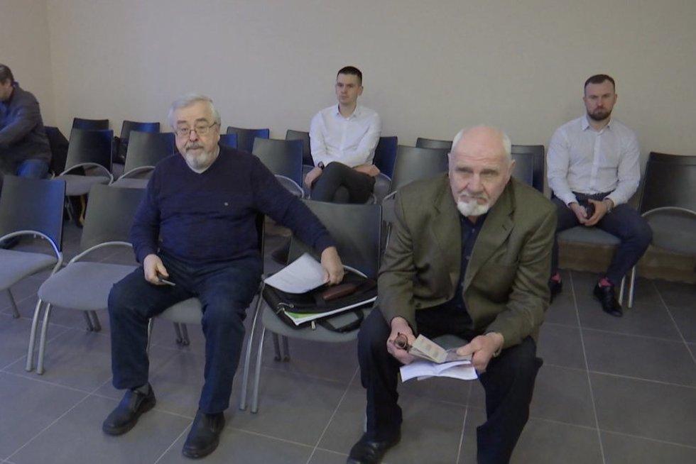 Dėl teršiamo Nemuno teisiami pensininkai (nuotr. stop kadras)