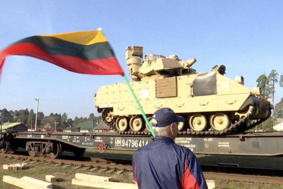 NATO narės sutarė dėl Lenkijos ir Baltijos šalių gynybos plano: jame – beprecedentės pajėgos (nuotr. stop kadras)