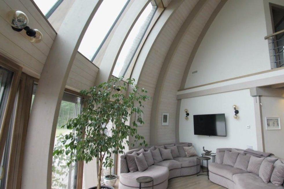 Dizainerės kurtas namas pribloškia formomis ir netradiciniais sprendimais