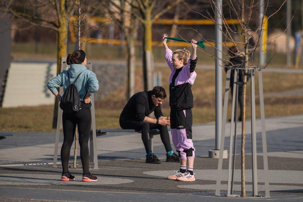 Žmonės, pavasaris (nuotr. Fotodiena/Justino Auškelio)