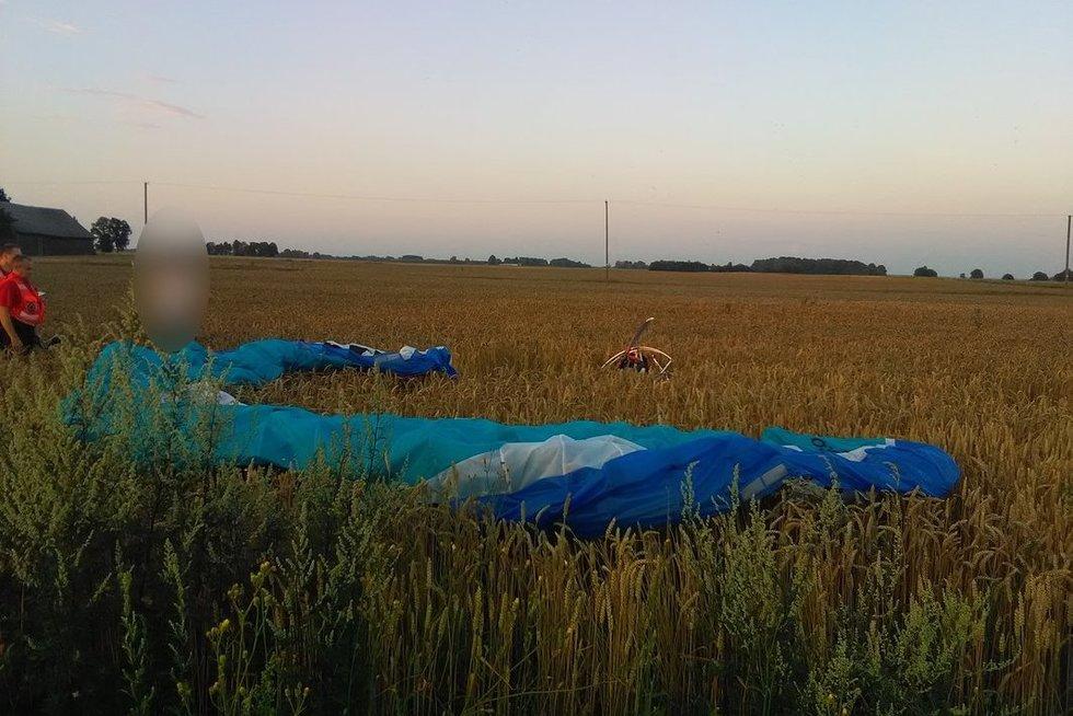 Žuvo parasparnio pilotas (nuotr. Policijos departamento)