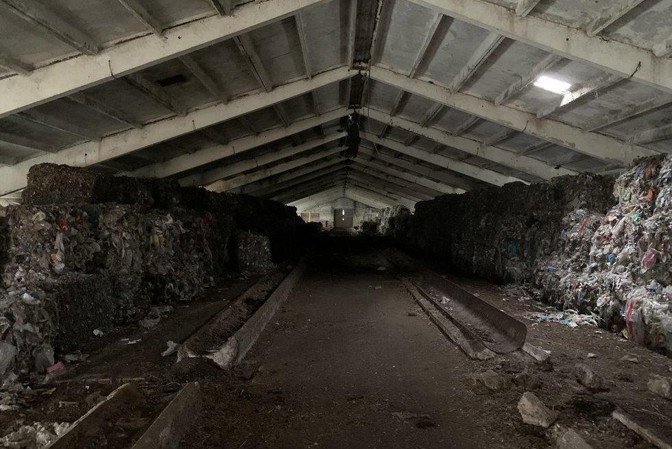 Vilniaus pakraštyje – neaiškus plastiko atliekų sąvartynas (nuotr. Valdas Benkunskas)