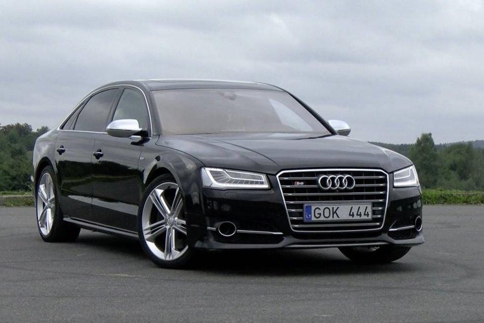 """Autopilotas. Nepadoriai greitas – modifikuoto """"Audi A8 L"""" apžvalga (nuotr. stop kadras)"""
